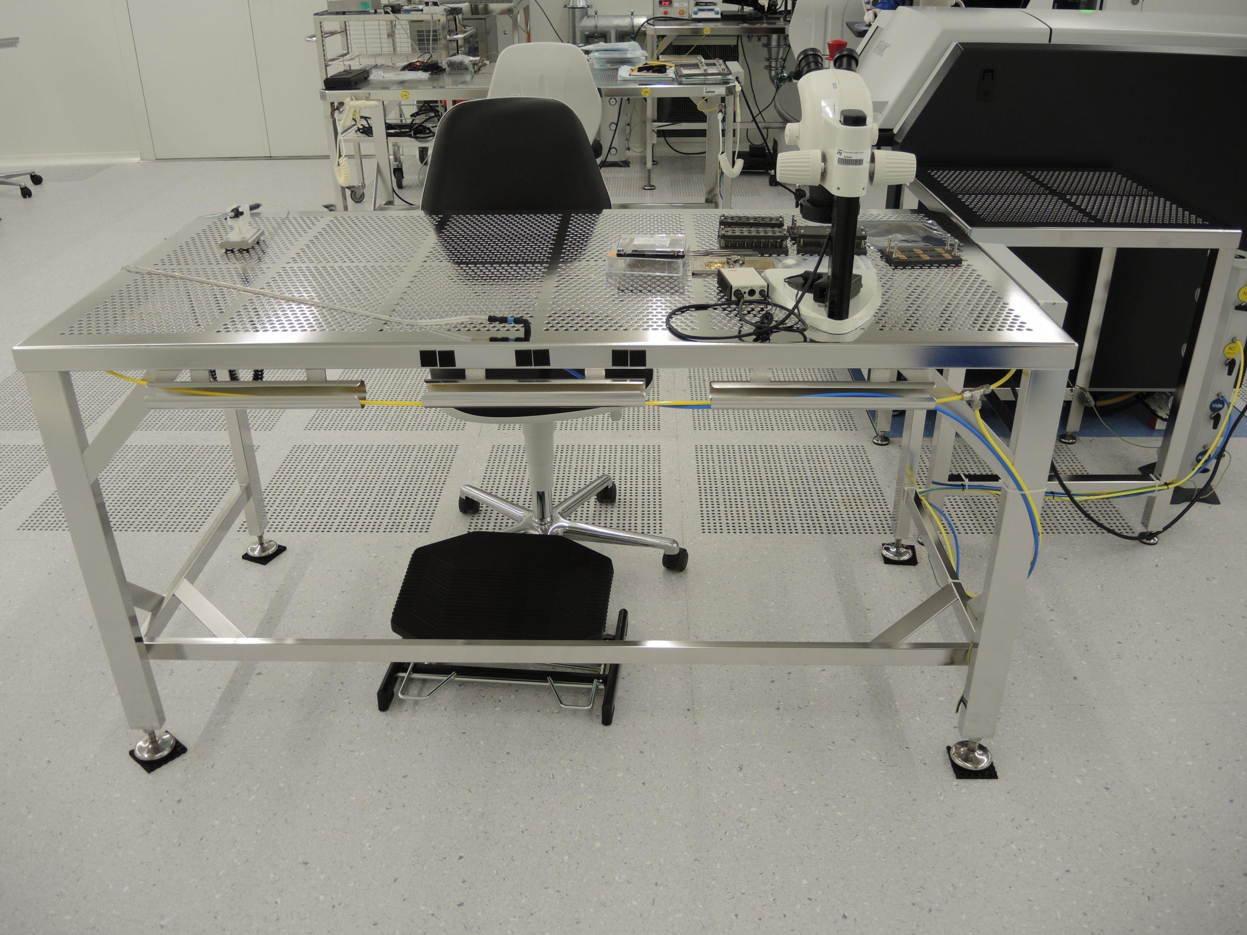 Table De Production Grand Modèle Pour Salle Blanche