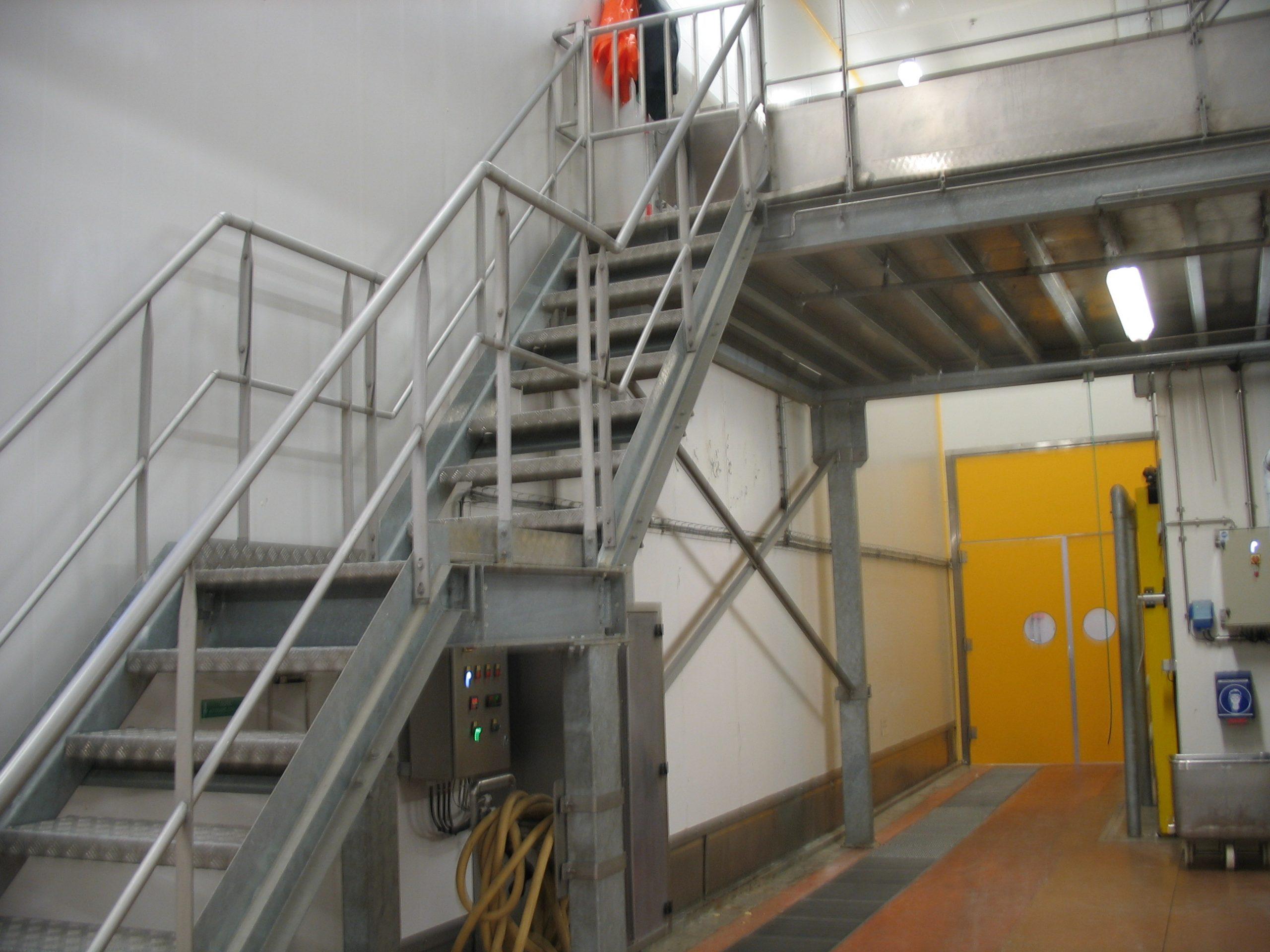 Escalier industriel en acier galvanisé