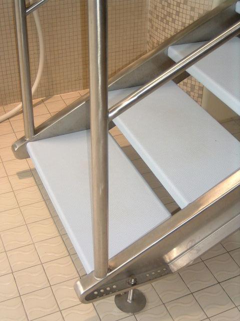 Escalier limon inox
