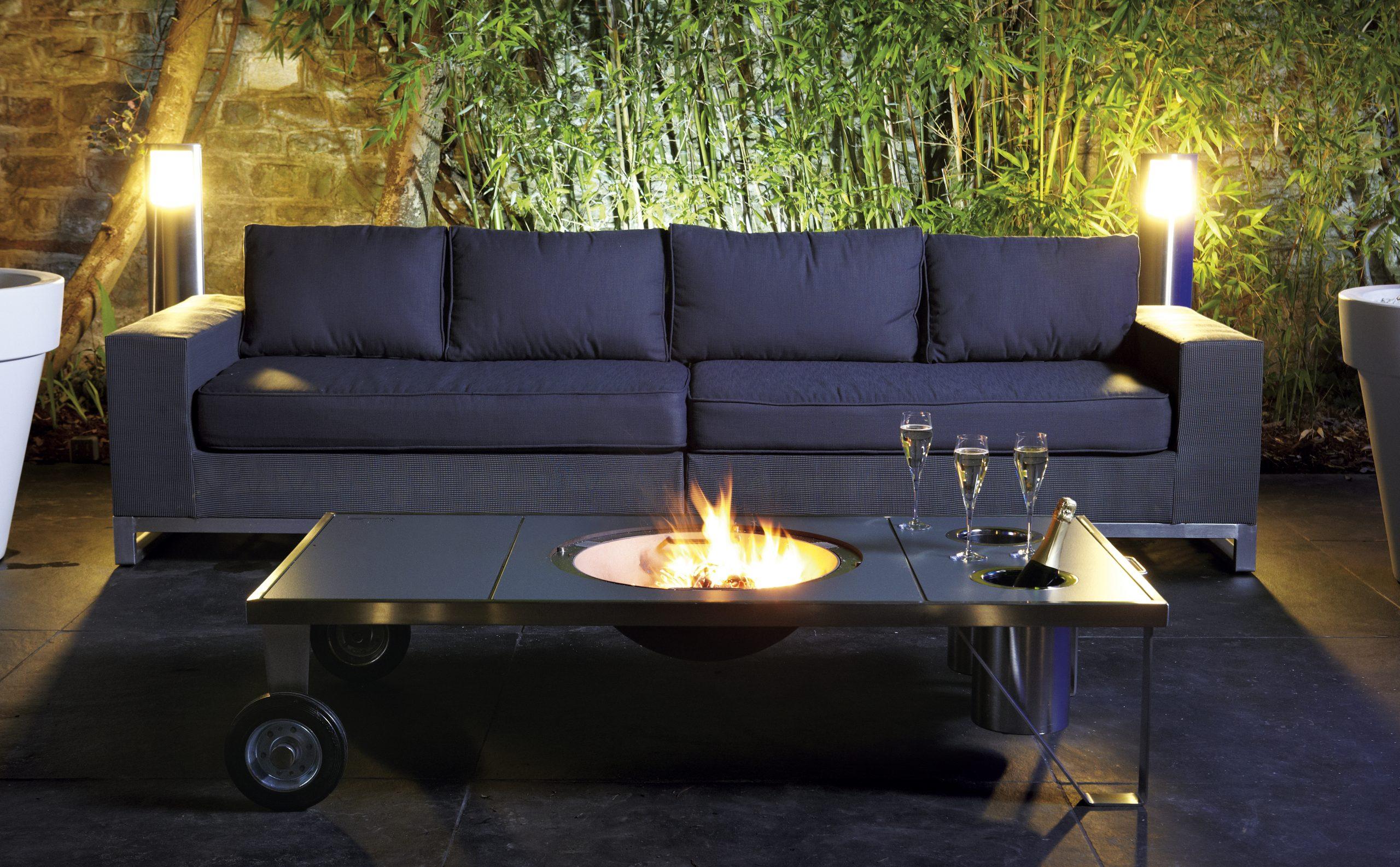 Table brasero mobile et seaux champagne