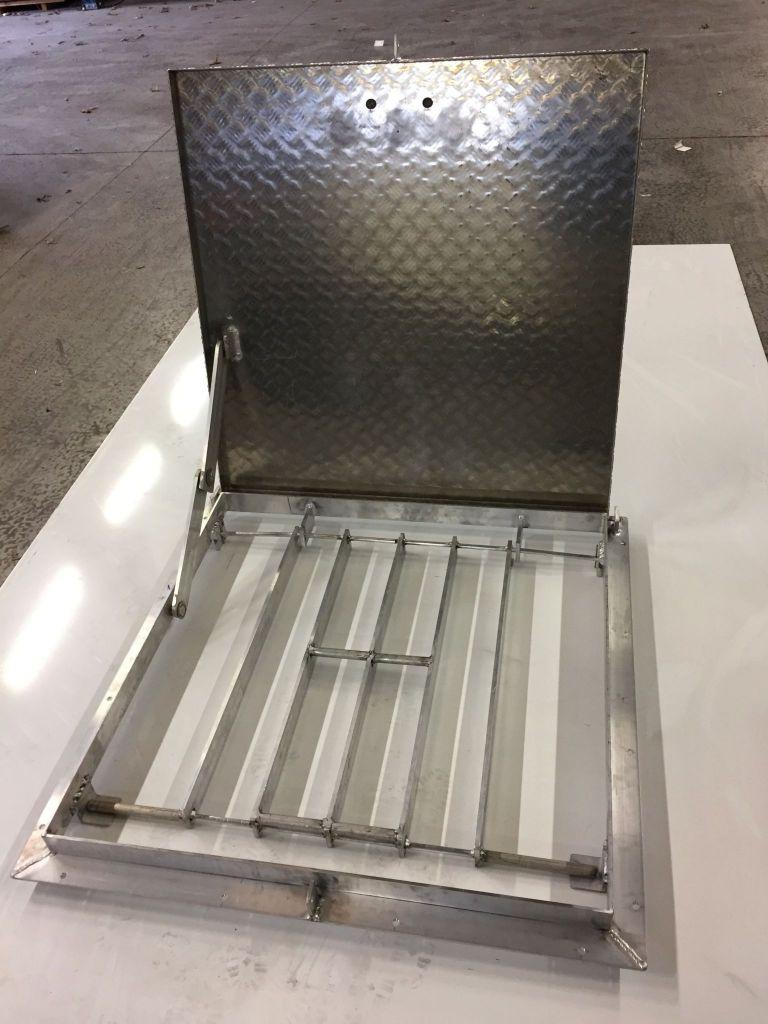 Trappe d'accès sécurisé en aluminium